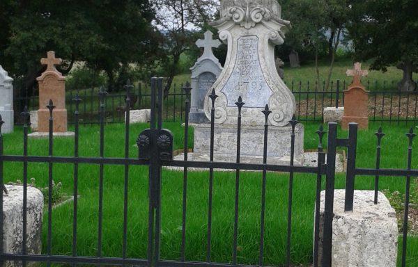 Budajenői skót bencés apátok sírkertje